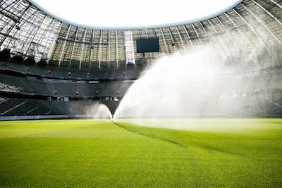 система полива футбольного поля